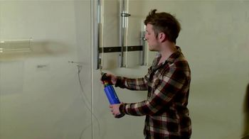 BTN LiveBIG TV Spot, 'Inside Wisconsin's Leading-Edge Glass Lab' - Thumbnail 7