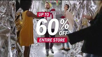 Old Navy TV Spot, 'Do the HOLIYAY Dance' Song by Justice - Thumbnail 9