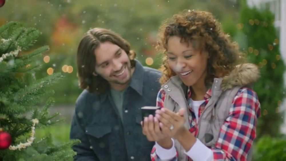 Fred Meyer Jewelers TV Commercial, 'Celebrate the Holidays'
