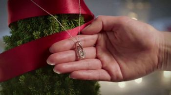 Fred Meyer Jewelers TV Spot, 'Celebrate the Holidays' - Thumbnail 3