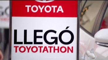 Toyota Toyotathon TV Spot, 'Celebrar las fiestas' [Spanish] [T1] - Thumbnail 2