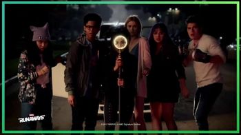 Hulu With Live TV TV Spot, 'Holiday TV' Song by MOONZz & Restless Modern - Thumbnail 5