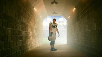 GEICO Homeowners Insurance TV Spot, 'Inside the Tunnel: Luke Kuechly' - Thumbnail 8