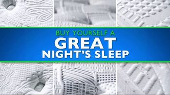 Rooms to Go Mattress Month TV Spot, 'King for a Queen Price' - Thumbnail 7