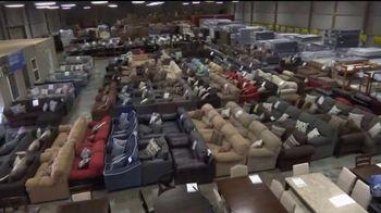 American Freight Gran Venta de Etiqueta Roja TV Spot, 'Recamaras' [Spanish] - Thumbnail 1