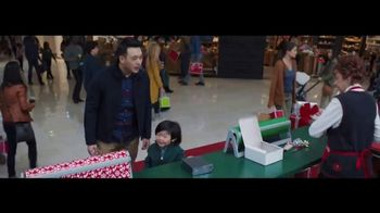 Verizon TV Spot, 'Wrapping Paper: Pixel' Featuring Thomas Middleditch - Thumbnail 1