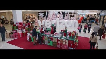 Verizon TV Spot, \'Wrapping Paper: Pixel\' Featuring Thomas Middleditch