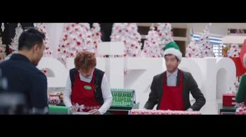 Verizon TV Spot, 'Wrapping Paper: Pixel' Featuring Thomas Middleditch - Thumbnail 3