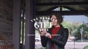 JoS. A. Bank Perfect Gift Sale TV Spot, 'Sportcoats and Sweaters' - Thumbnail 2