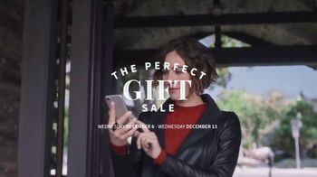JoS. A. Bank Perfect Gift Sale TV Spot, 'Sportcoats and Sweaters' - Thumbnail 3