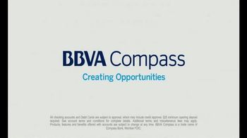 BBVA Compass ClearChoice Free Checking TV Spot, 'Choosing Teams' - Thumbnail 9