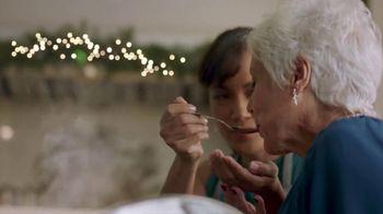 Walmart TV Spot, 'Cena navideña' canción de Luis Fonsi [Spanish] - Thumbnail 7