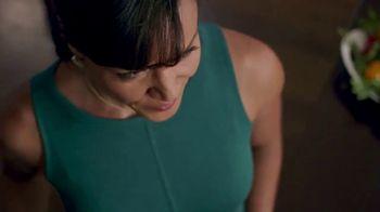 Walmart TV Spot, 'Cena navideña' canción de Luis Fonsi [Spanish] - Thumbnail 8