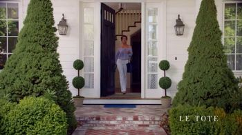 Le Tote TV Spot, 'Front Door Fashion Show' - Thumbnail 4