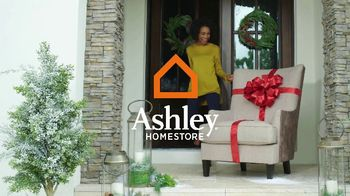Ashley HomeStore Buy Your Home a Gift TV Spot, 'Camas' [Spanish]