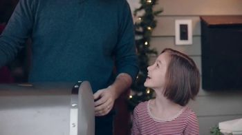 ACE Hardware Wrap It in Red TV Spot, 'Surprise Delivery' - Thumbnail 9