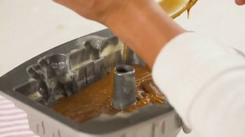 Pam Baking Spray TV Spot, 'Food Network: Gingerbread Cake' - Thumbnail 5