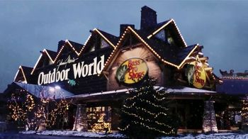 Bass Pro Shops Countdown to Christmas TV Spot, 'Santa's Wonderland: Hikers' - Thumbnail 4
