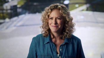 Microsoft Surface Pro TV Spot, 'Leann Emmert: Scouting Locations' - Thumbnail 7