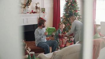 ACE Hardware Wrap It in Red TV Spot, 'Gift for Dad' - Thumbnail 5