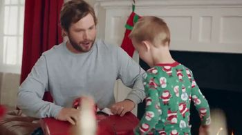 ACE Hardware Wrap It in Red TV Spot, 'Gift for Dad' - Thumbnail 6