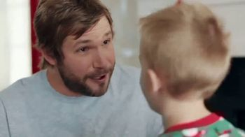 ACE Hardware Wrap It in Red TV Spot, 'Gift for Dad' - Thumbnail 7