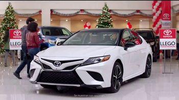 Toyota Toyotathon TV Spot, 'Celebrar las fiestas: 2018 RAV4' [Spanish] [T2] - Thumbnail 3