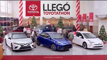 Toyota Toyotathon TV Spot, 'Celebrar las fiestas: 2018 RAV4' [Spanish] [T2] - Thumbnail 4