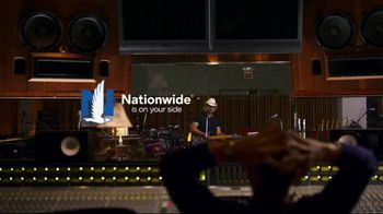 Nationwide Insurance TV Spot, 'Number 18's the Frontman' Feat. Brad Paisley - Thumbnail 9