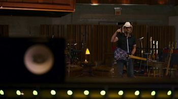 Nationwide Insurance TV Spot, 'Number 18's the Frontman' Feat. Brad Paisley - Thumbnail 7