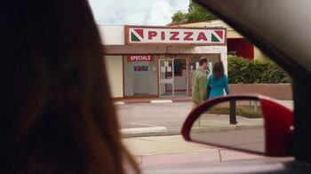 Little Caesars EXTRAMOSTBESTEST Pizza TV Spot, 'Car' - Thumbnail 4