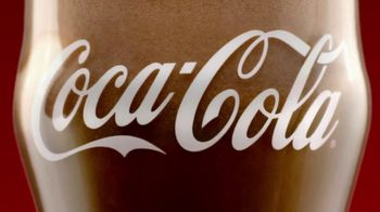 Coca-Cola TV Spot, 'Eggnogg Schmeggnog' - Thumbnail 8