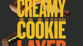 Hershey's Cookie Layer Crunch TV Spot, 'A World Without Layers' - Thumbnail 9