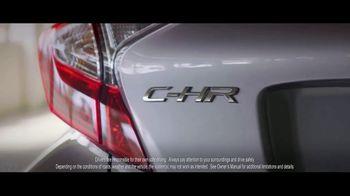Toyota C-HR TV Spot, 'Flipping the Script: Rush Hour' [T1] - Thumbnail 4